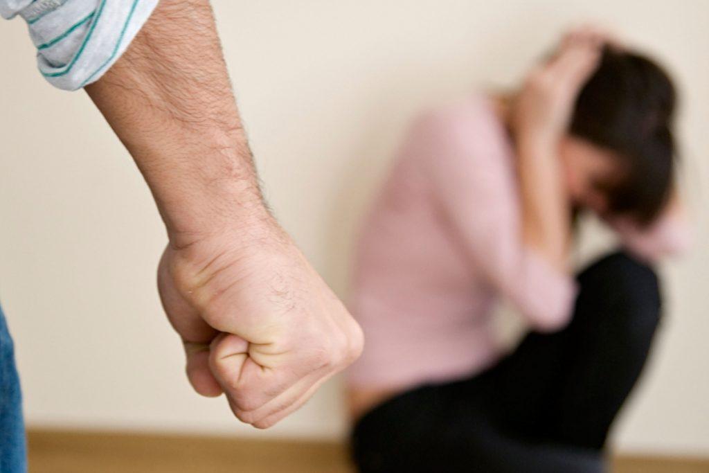 умышленное нанесение тяжелых травм