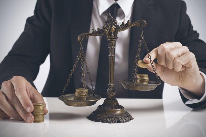 траты на услуги юристов