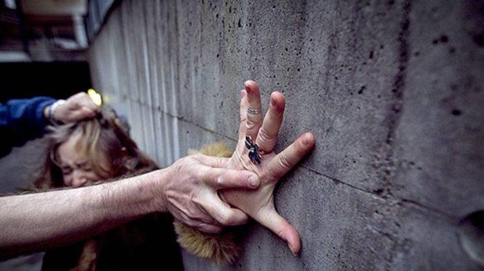 совершение насильственного преступления
