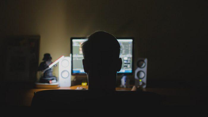 распространение и изготовление порно