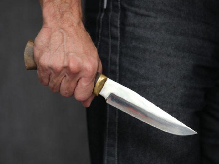 применение насилия